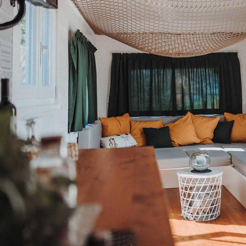 Urlaub mit Alpakas: Übernachten im Tinyhouse auf dem Lebenshof in Bayern
